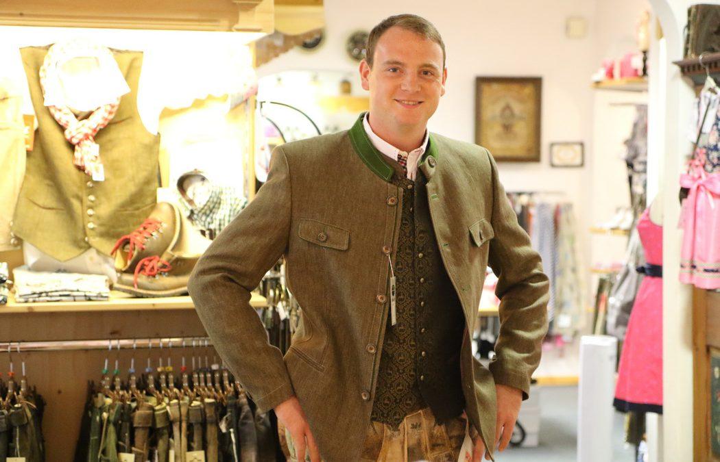 Kleider machen Leute: Ein Outfit für Wiesn-Bursche Konstantin